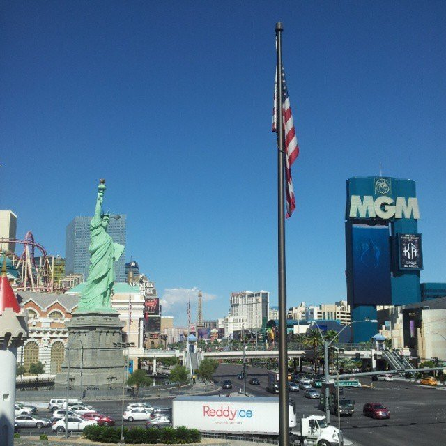 Travel: Viva Las Vegas!