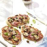 Fuss free and delicious 15 minute pitta-pizzas