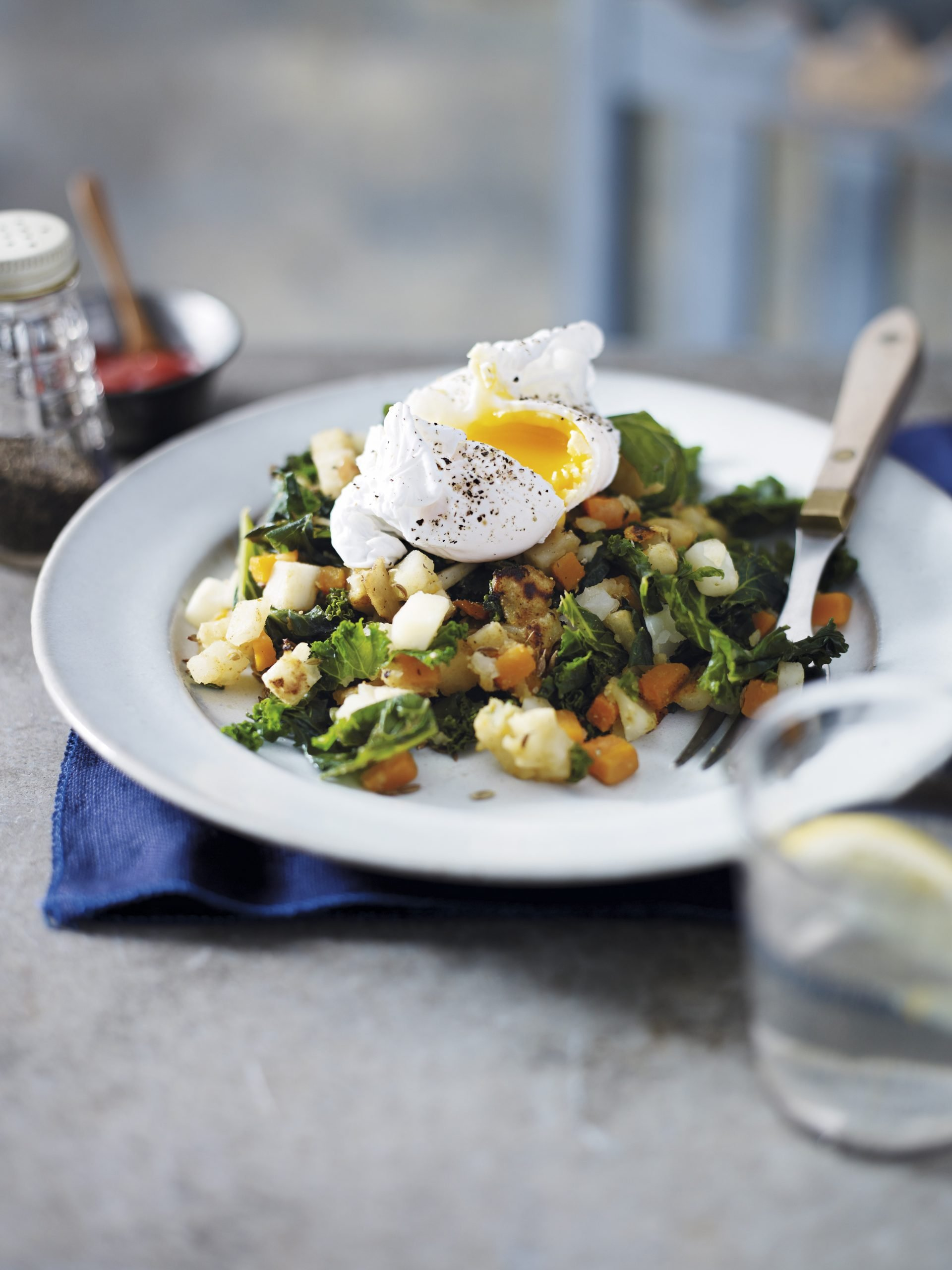 Recipe: Parsnip, Carrot & Kale Hash with Poached Eggs
