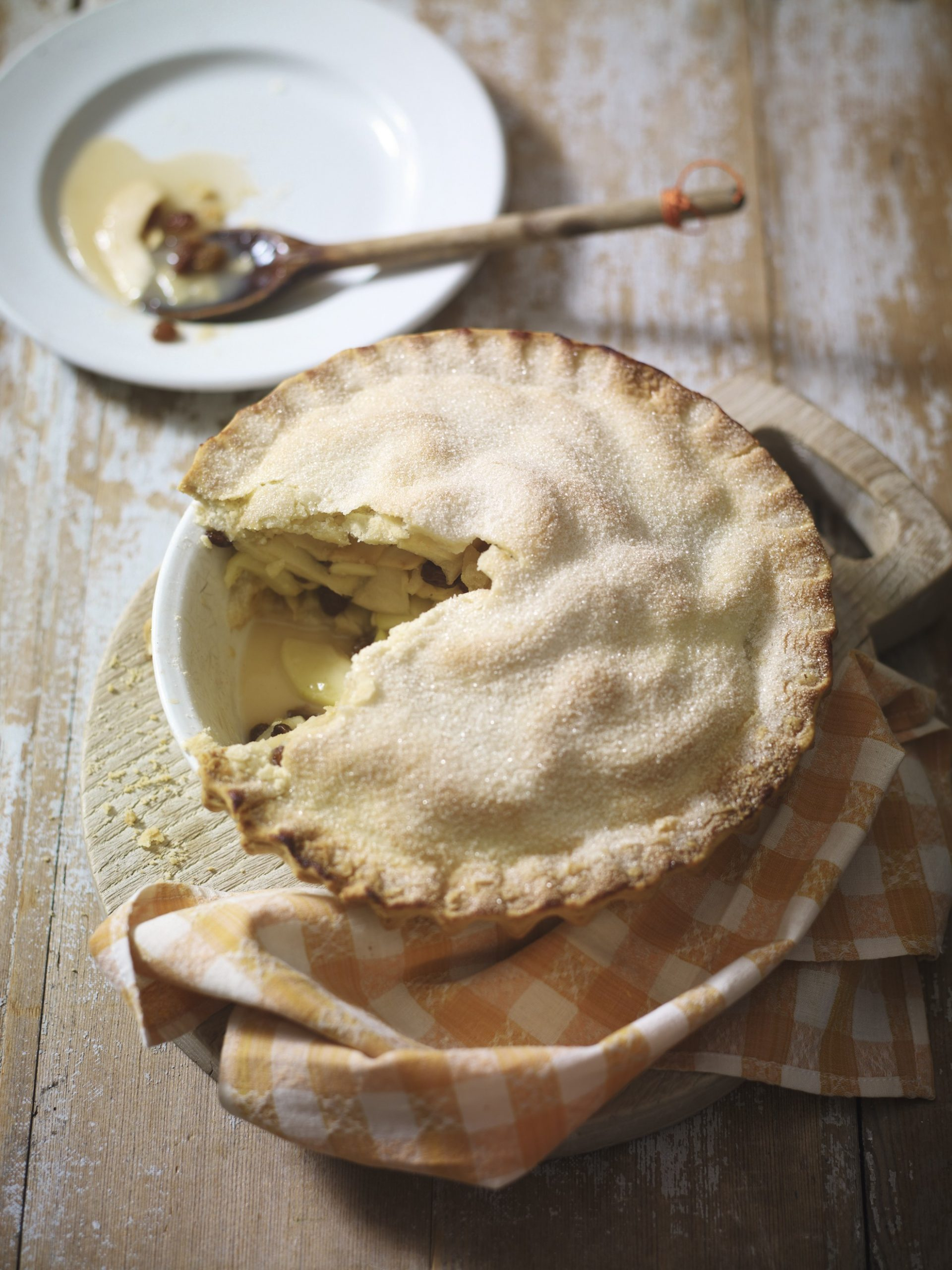 Recipe: Deep-Filled Bramley Apple Pie