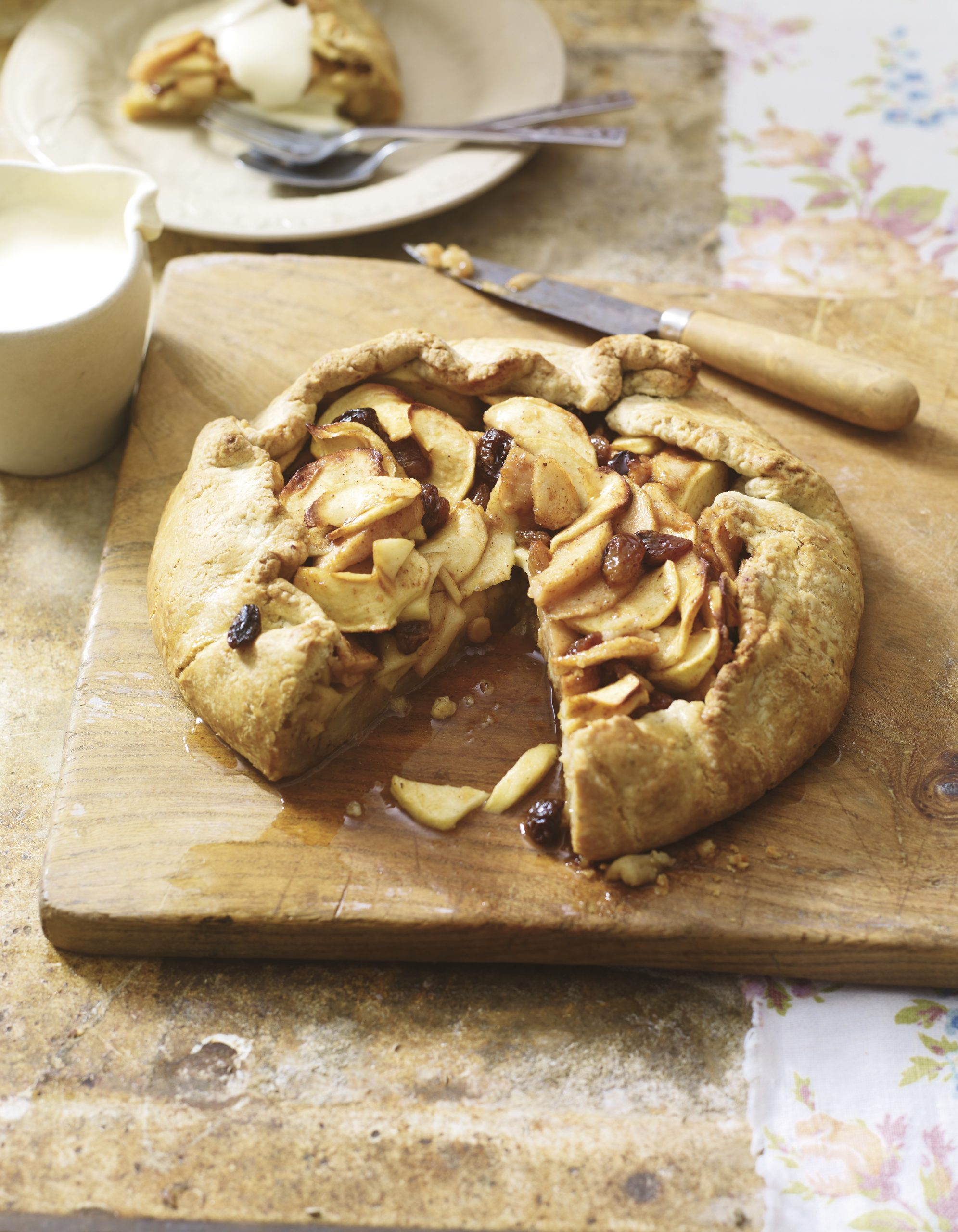 Recipe: Rustic Pear & Bramley Apple Tart