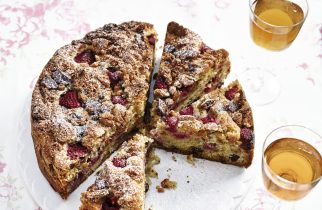 Crunchy almond & raspberry cake with dark chocolate