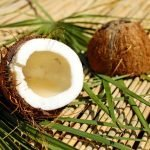 10 uses of coconut oil