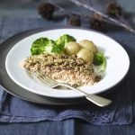 Recipe: Baked Salmon With Thyme & Lemon Oat Crust
