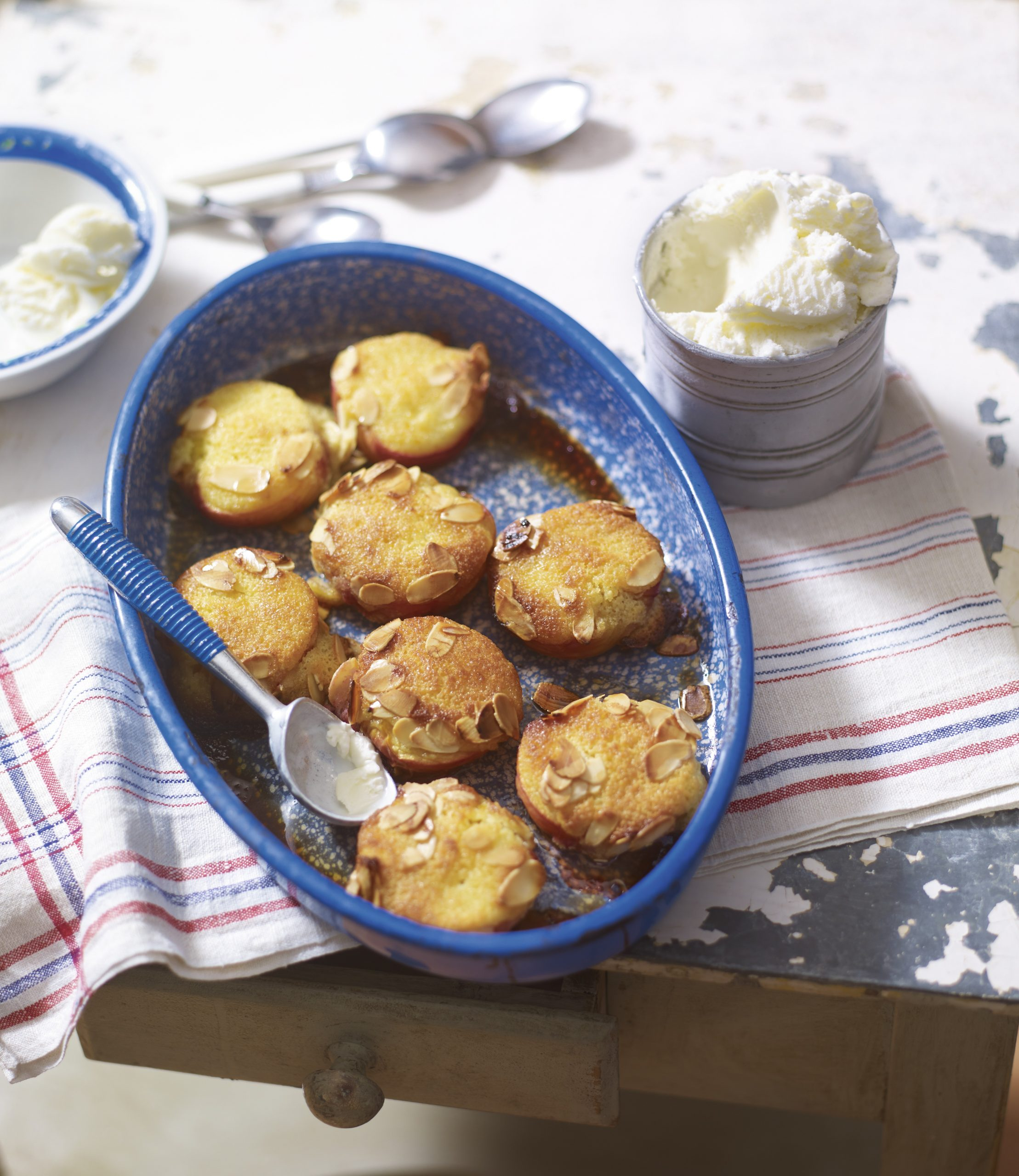 Recipe: Baked peaches with an orange and almond topping