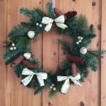 Christmas crafts: Recycling your garland into a wreath, centerpiece and window display