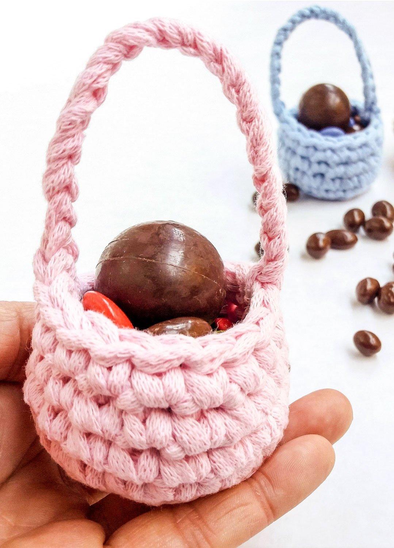 Crafty Corner: Crochet Easter baskets