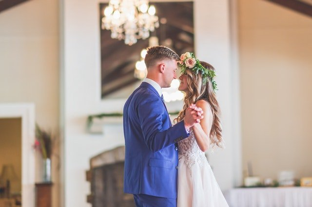 First Dance: Popular Songs for your Wedding