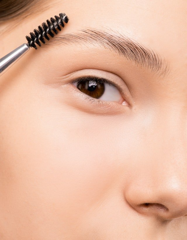 mapping out your eyebrow shape
